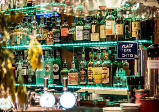 Restaurant bar ambiance La Plagne
